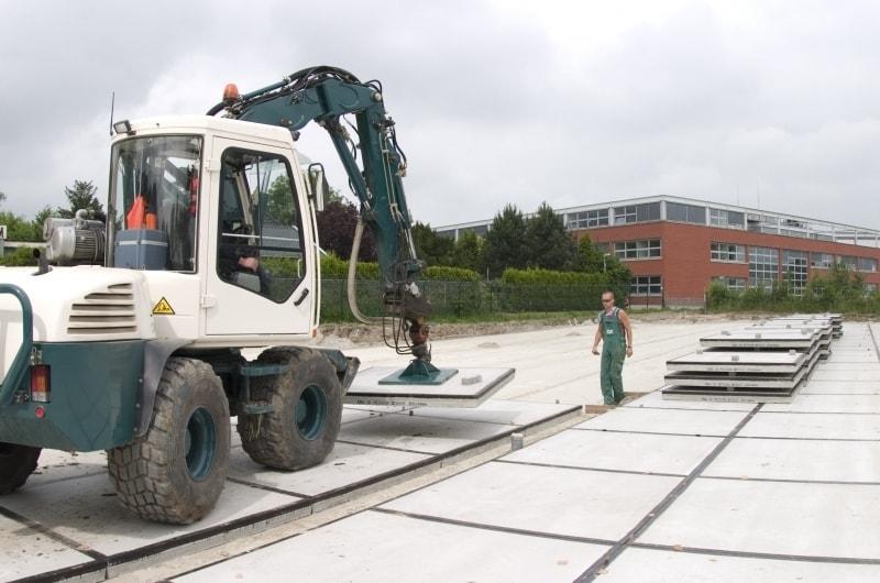 betonplaten leggen wegenbouw